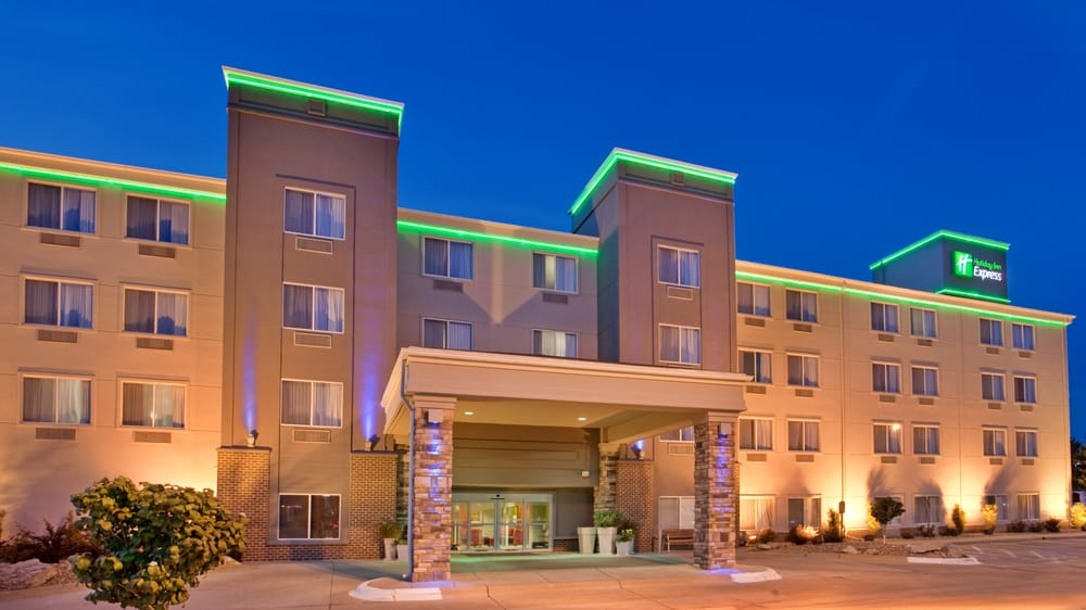 Holiday Inn Express Fremont: 2415 N Lincoln Ave, Fremont, NE