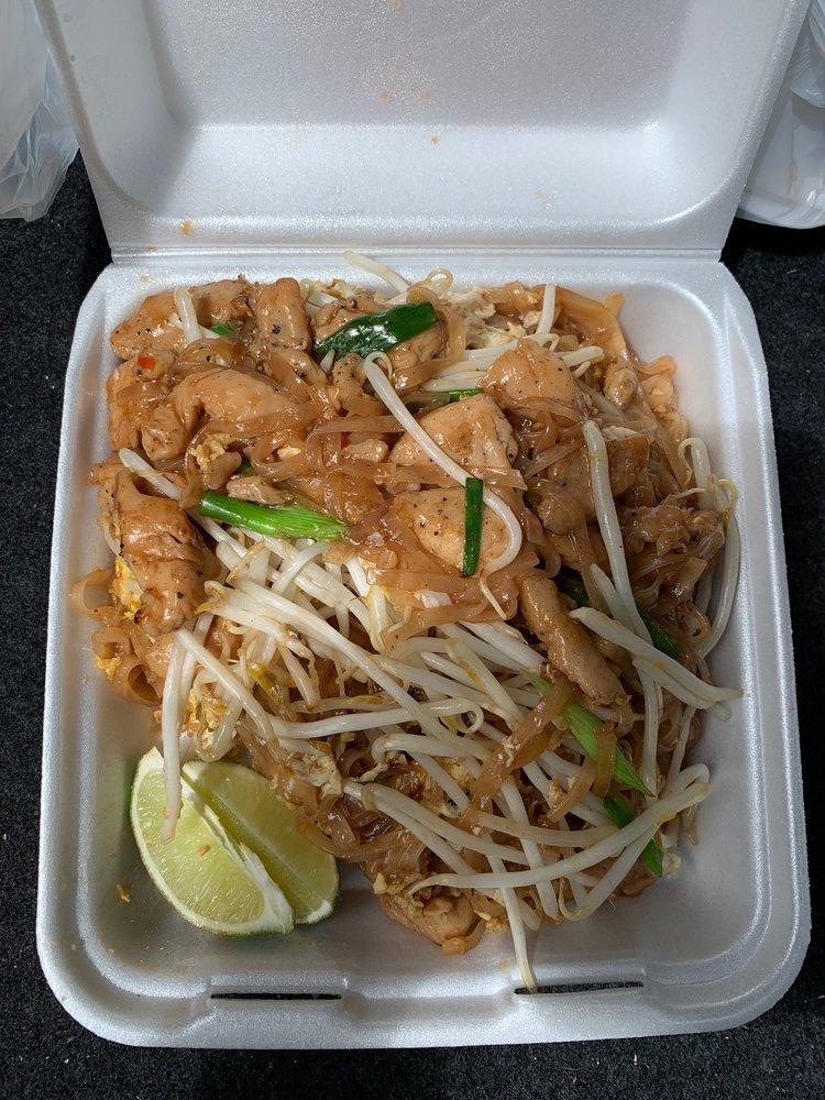 Food from Tastee Thai