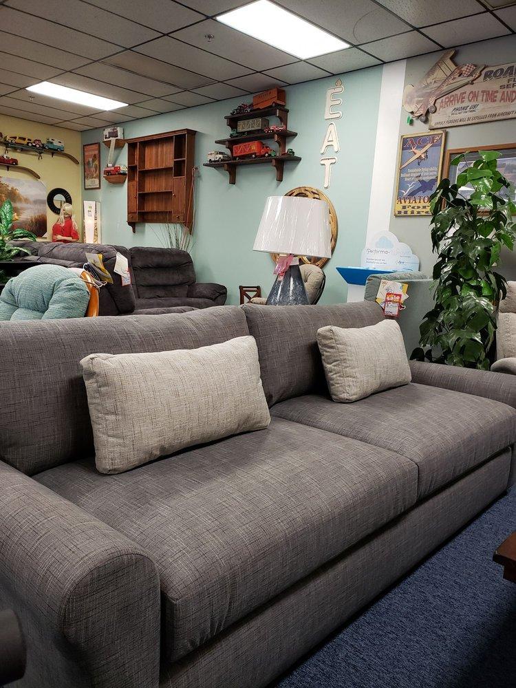 Burlington Furniture: 209 Harrison St, Burlington, IA
