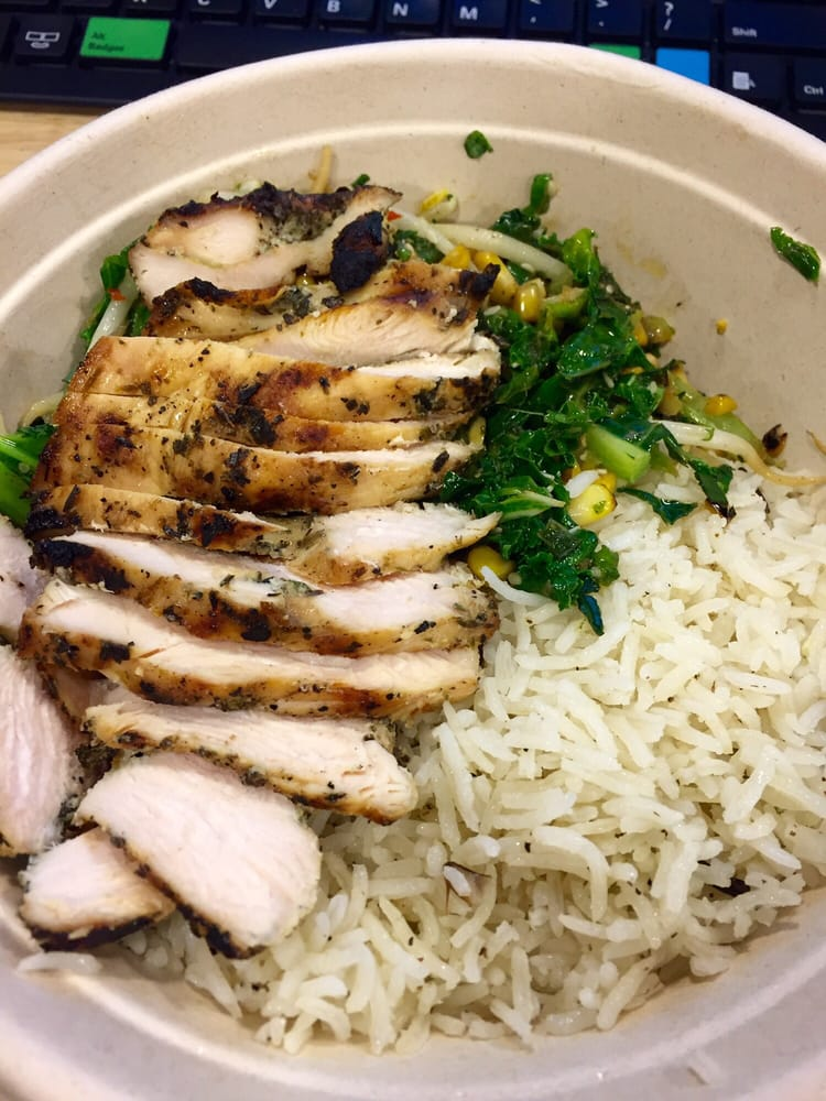 hot ginger bowl - chicken with basmati rice, kale, corn, scallions