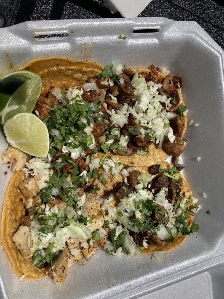 Tacos El Korita: 1051 Warren Ave, Buhl, ID