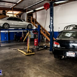 Import auto specialists 33 rese as talleres mec nicos for Import motors san diego