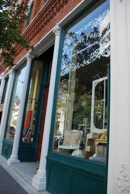 Painted Porch: 200 Main St, La Crosse, WI