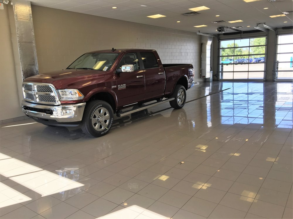 Valu Ford & Chrysler: 205 S Hwy 9, Morris, MN