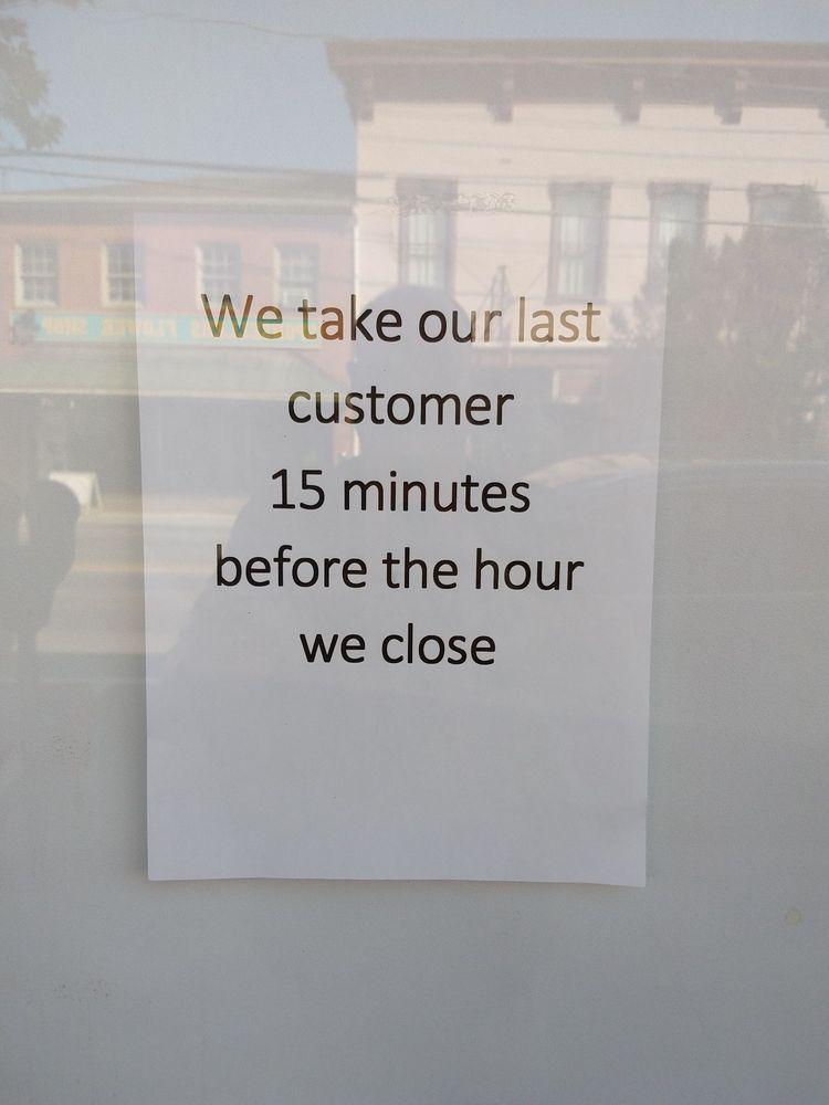 Potters Barber Shop: 3 W Main St, Berryville, VA