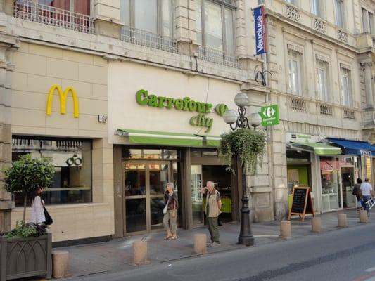 Carrefour City Supermarkets 24 Rue De La Republique Avignon