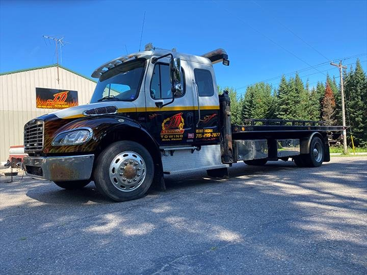 JD Customs Auto Body & Towing: 13223 Green Acres Rd, Hixton, WI