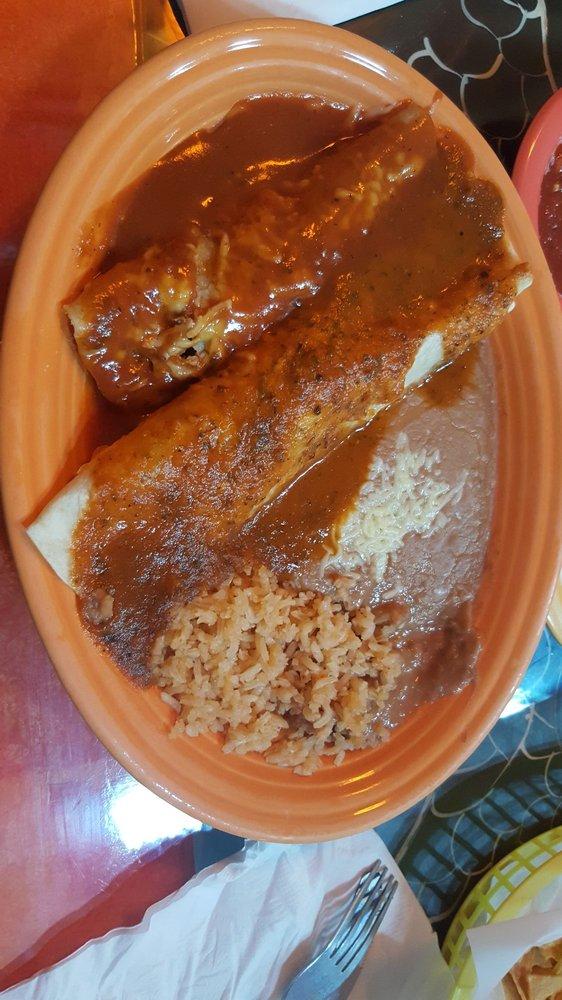 Mariachis Mexican Restaurarant: 2167 A M Nash Rd, Manning, SC