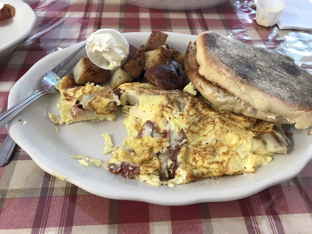 The Farmer's Omelet: 2291 State Rd, Plymouth, MA