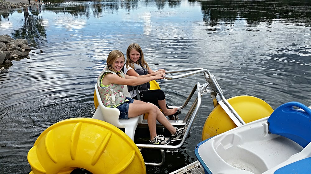 Paddle boats trolling boats kayaks and fishing gear for for Rent fishing gear near me