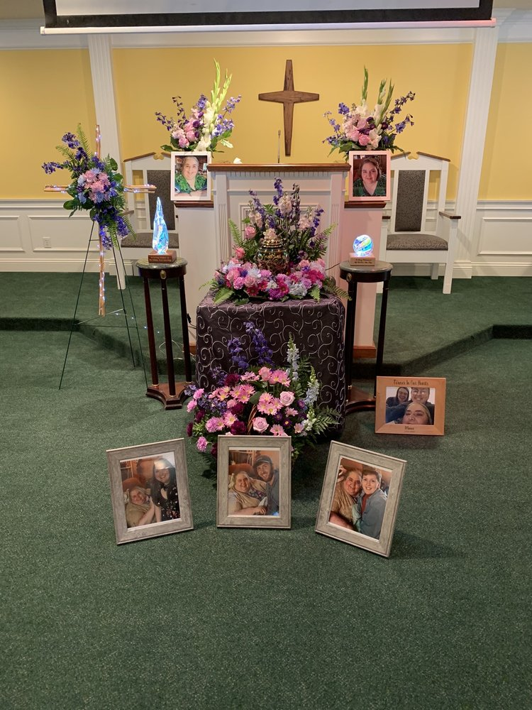 Ray Funeral Home: 206 Bishop Rd, Cleveland, MS