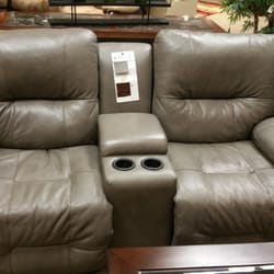 Value City Furniture 16 Reviews Furniture Stores 949 Route 37