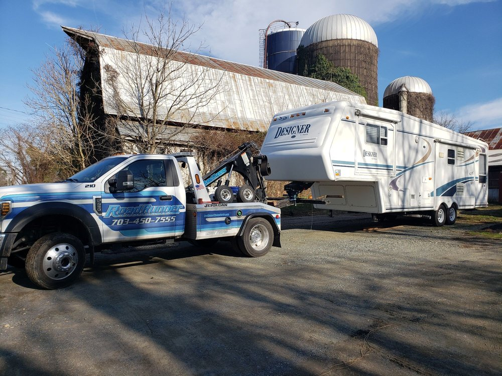 Towing business in Lowes Island, VA