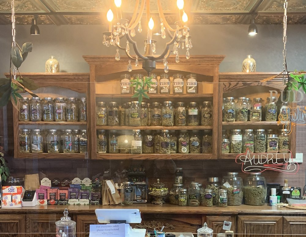 Buds Craft Cannabis: 306 E Choctaw Ave, McAlester, OK