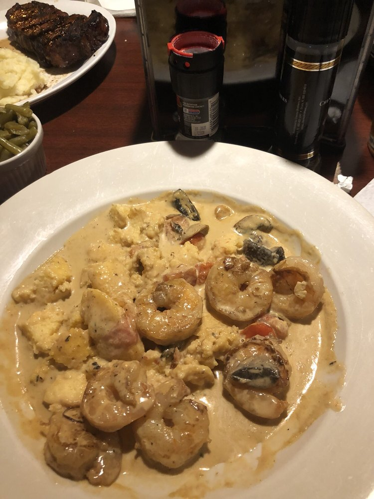 Christopher's Steakhouse and Seafood: 703 E Broad St, Elizabethtown, NC