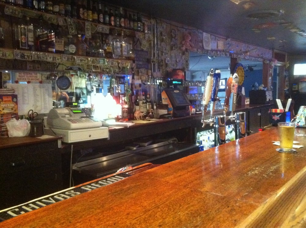 Piggs Pub: 3070 Myers St, Oroville, CA