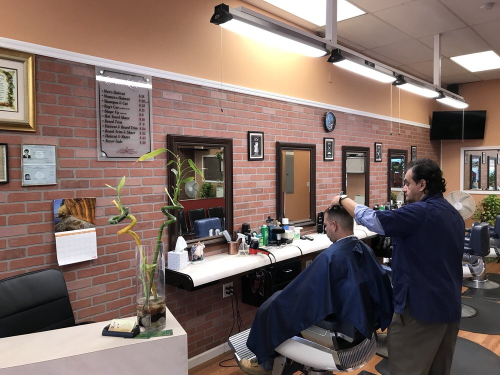 Alex' Barbering and Hairstyling: 123 Pelham Rd, New Rochelle, NY