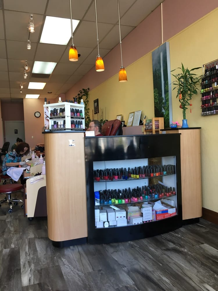 Forever Nails: 1634 Williams Hwy, Grants Pass, OR