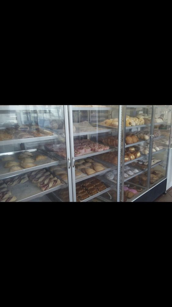 La Poblanita Bakery: 39470 170th St E, Lake Los Angeles, CA