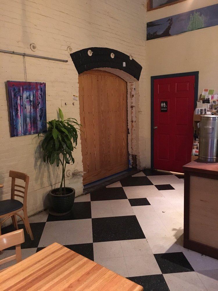 Speeder & Earl's Coffee: 412 Pine St, Burlington, VT