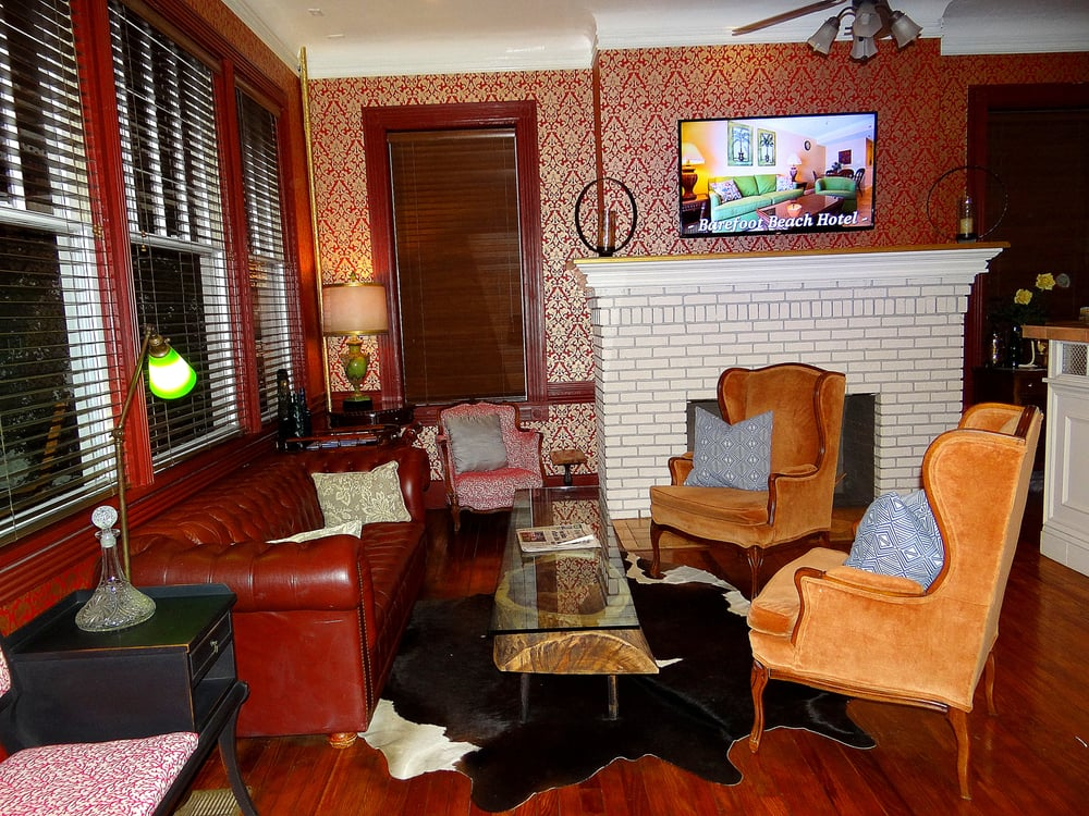 The Cordova Inn: 253 2nd Ave N, Saint Petersburg, FL