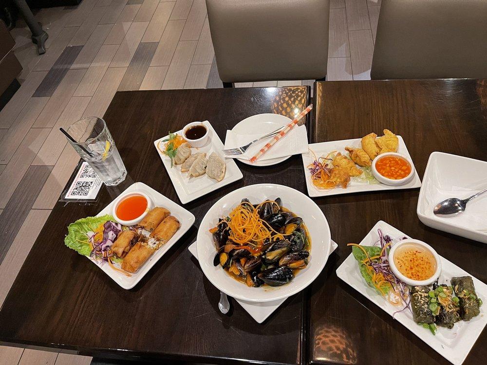 Lucky Corner Vietnamese Cuisine at Westview: 5100 Buckeystown Pike, Frederick, MD