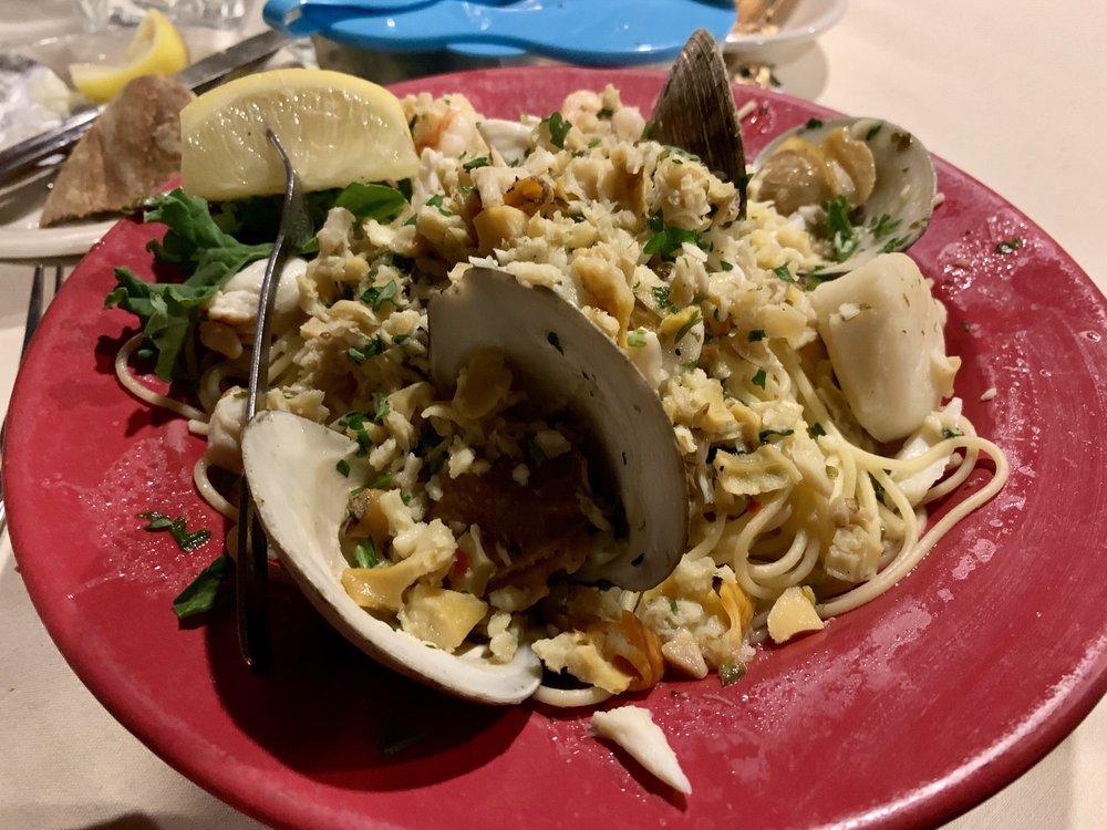 Fratelli's Restaurant: 2995 Lakeville Rd, Avon, NY