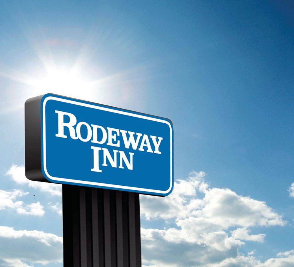 Rodeway Inn: 20 SE Wyoming Blvd, Casper, WY