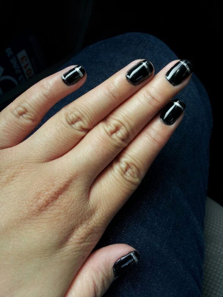 Black gel nails with silver line - Yelp