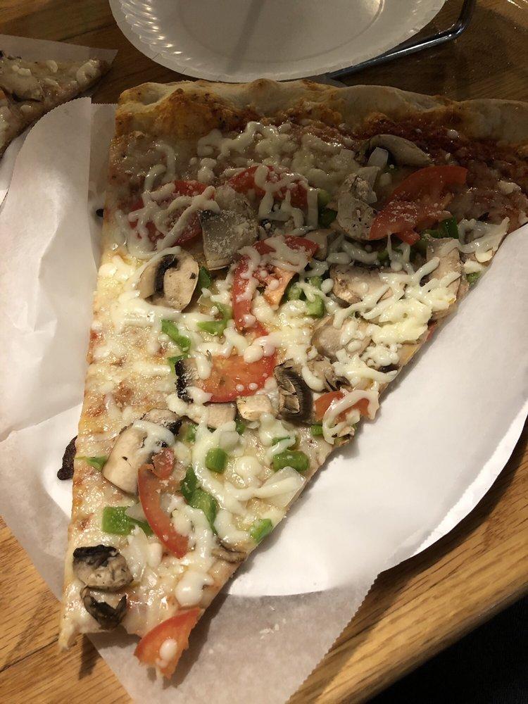 Sugar Hill Pizzaria: 211 N Heritage St, Kinston, NC