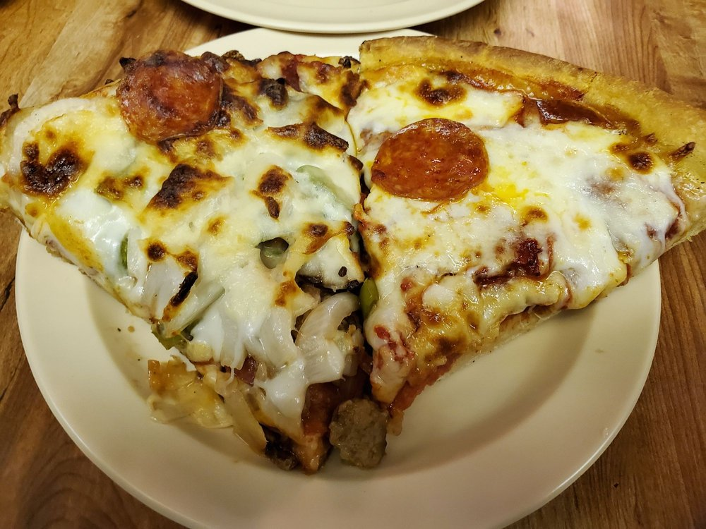 Leonardo's Pizza of Millhopper: 4131 NW 16th Blvd, Gainesville, FL