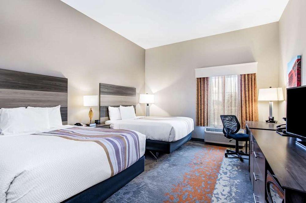 La Quinta by Wyndham Andrews: 1012 NE 1st Place, Andrews, TX