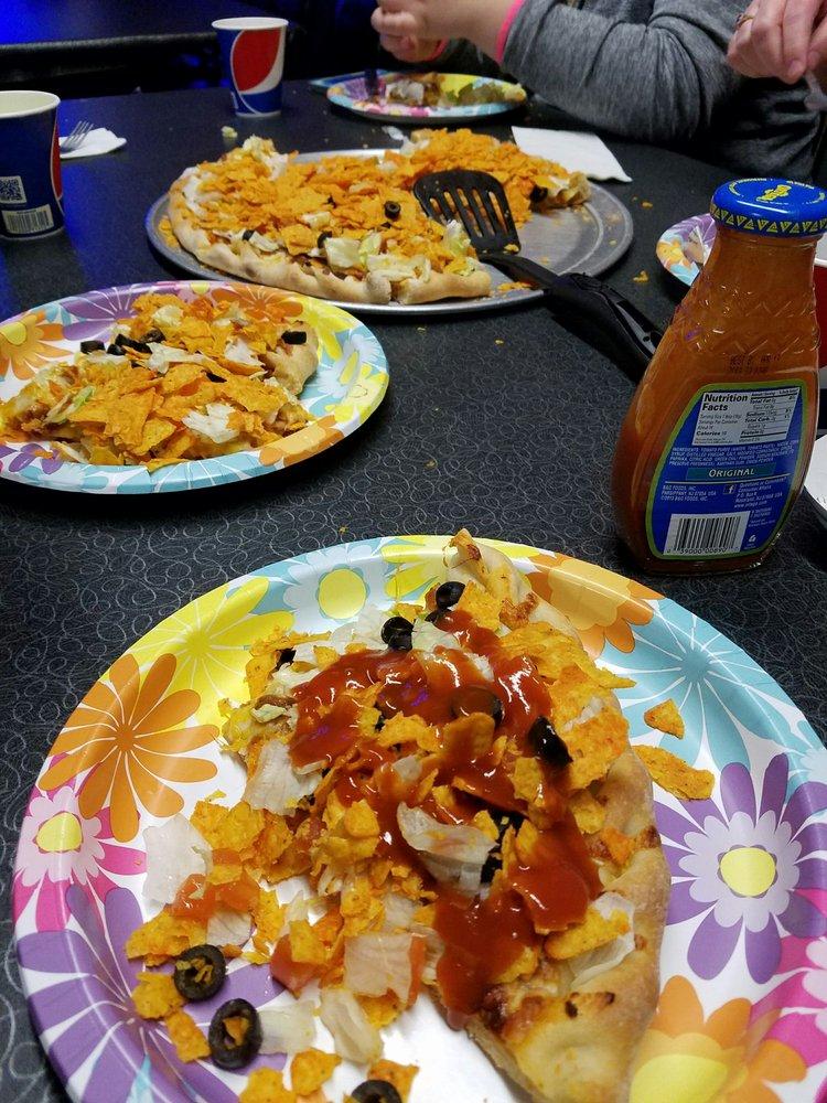 Fergie's Pizza: 114 S Main St, Plentywood, MT