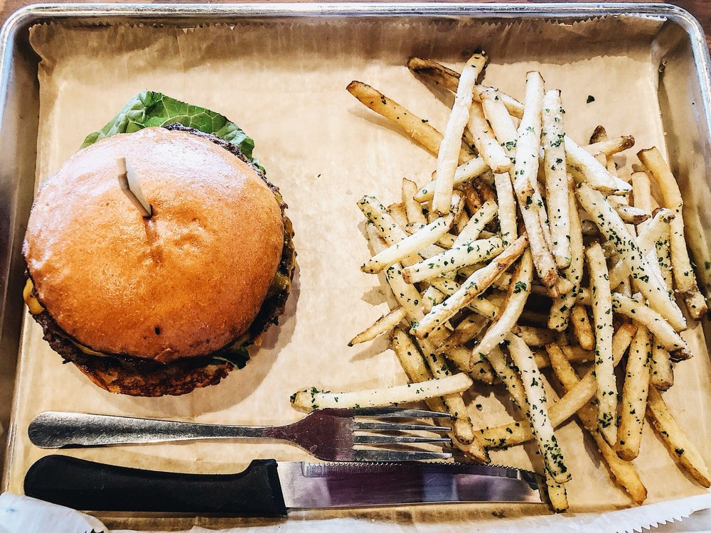 Hopdoddy Burger Bar: 9101 International Dr, Orlando, FL