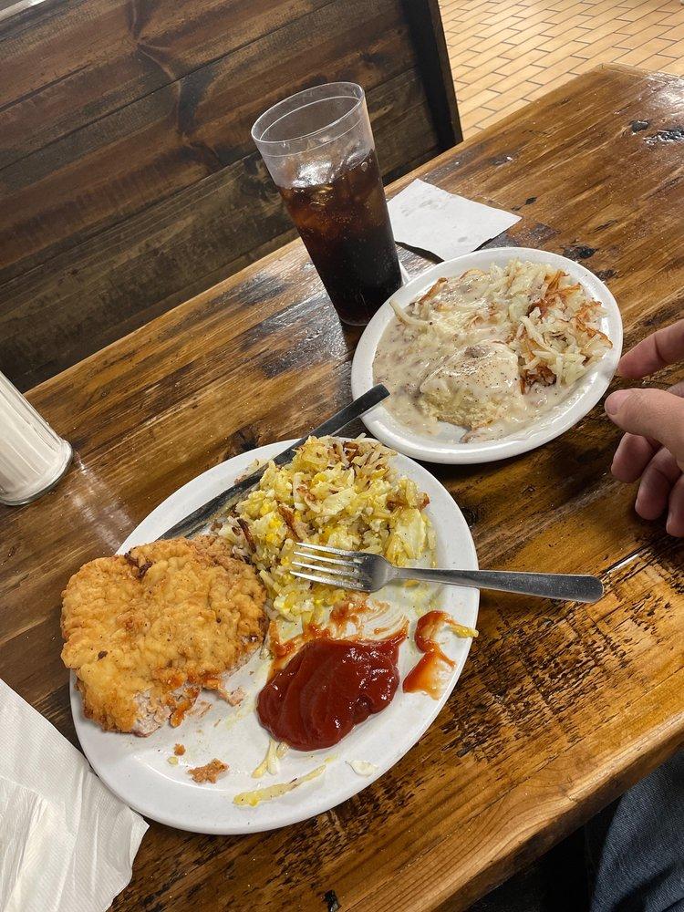 Judy's Cafe & Truck Stop: 403 N 4th St, Jasper, MO