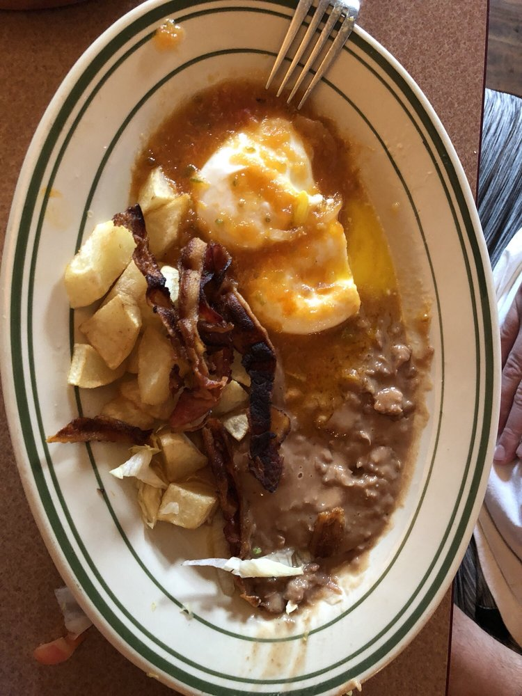 Castaneda's Mexican Resturant: 15130 Highway 105 E, Plantersville, TX