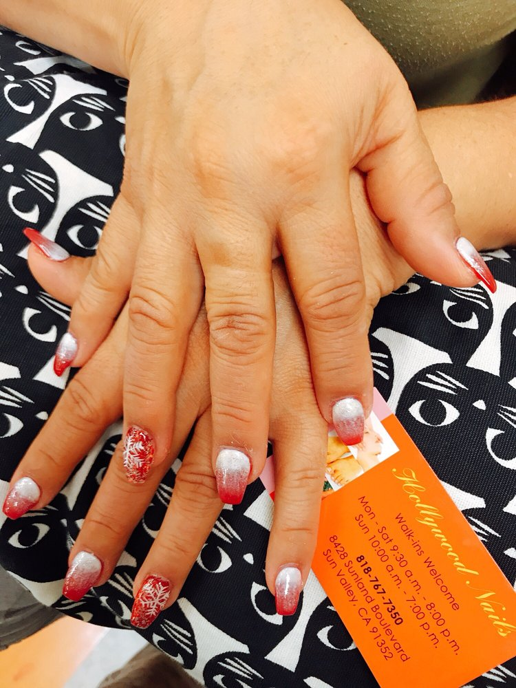 Christmas Gel Nail Design By Jennie Come To Get Your Christmas Nail