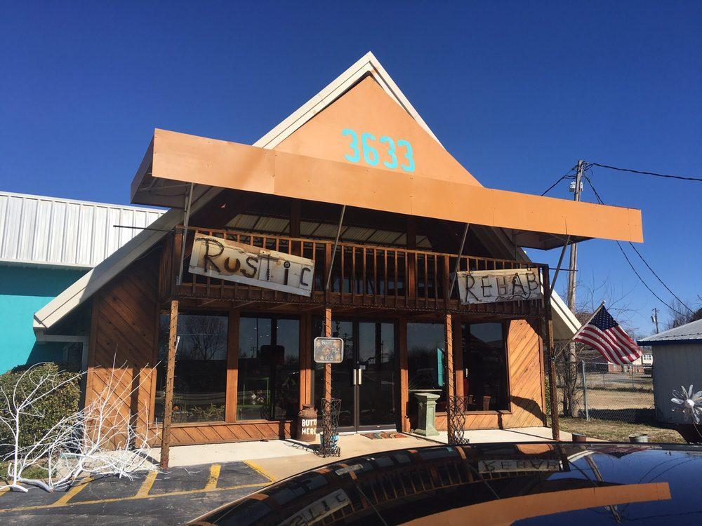 Rustic Rehab: 3633 Hwy 59 N, Grove, OK