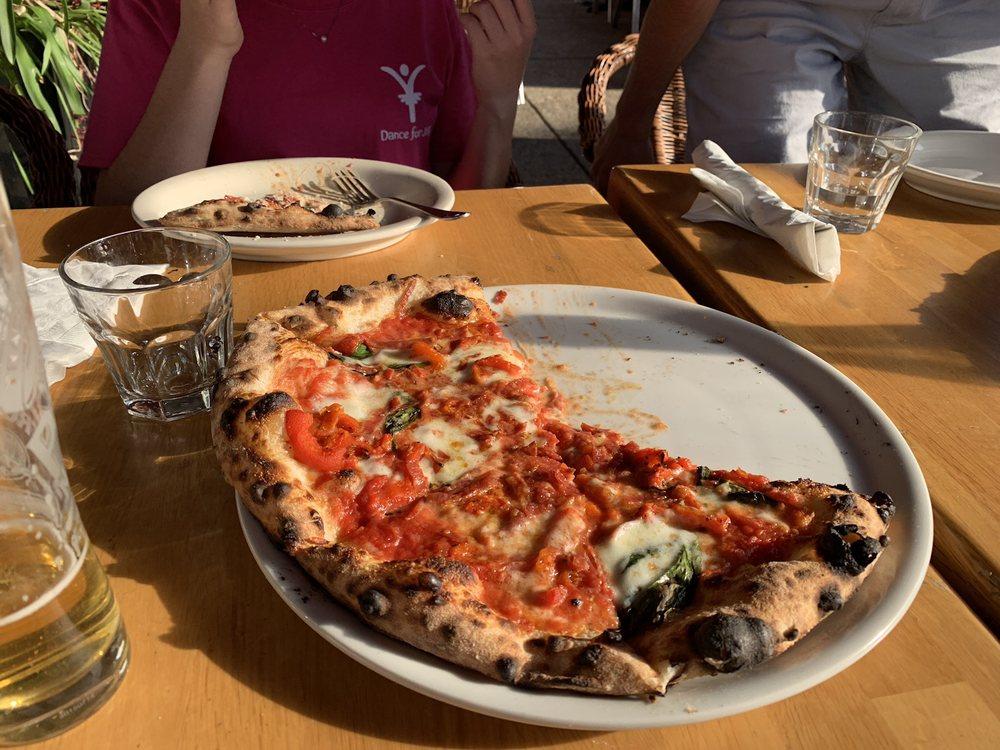 Menomale Pizza Napoletana