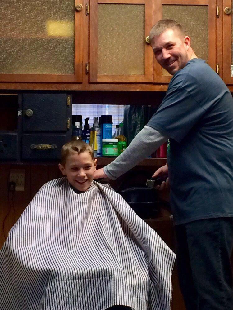 Heath's Barber Shoppe: 15912 State Rte 62, Damascas, OH