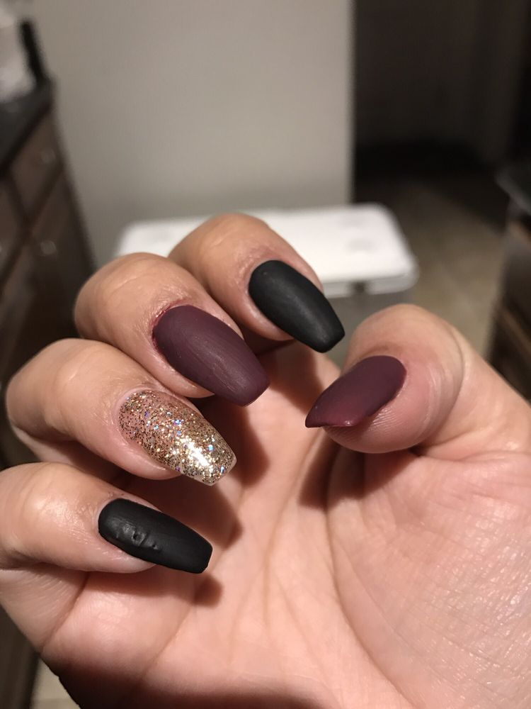 Divine Nails And Spa: 15332 S Harlan Rd, Lathrop, CA