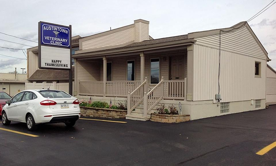 Austintown Veterinary Clinic: 229 S Canfield Niles Rd, Youngstown, OH