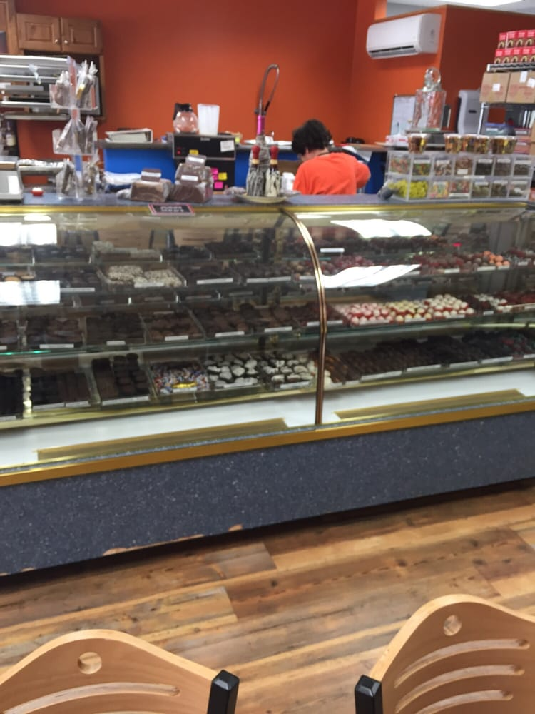 Mostly Chocolates: 420 W Sioux Ave, Pierre, SD