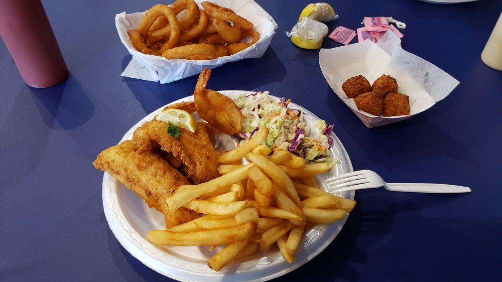 Bayseas Seafood: 410 Valley Hi Dr, San Antonio, TX