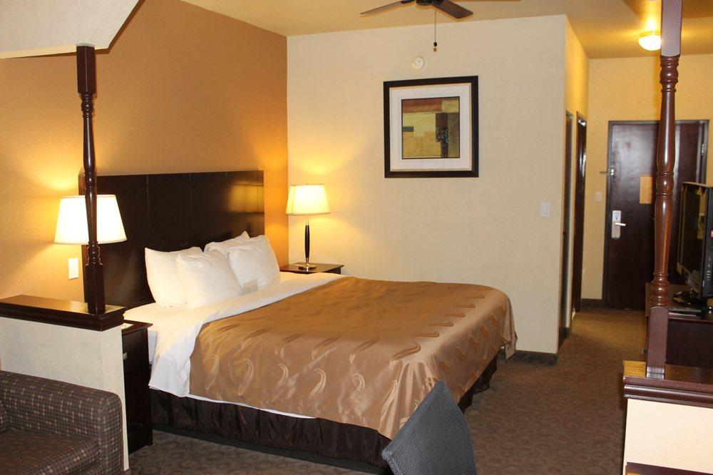 Quality Inn & Suites Terrell: 103 Mira Place, Terrell, TX