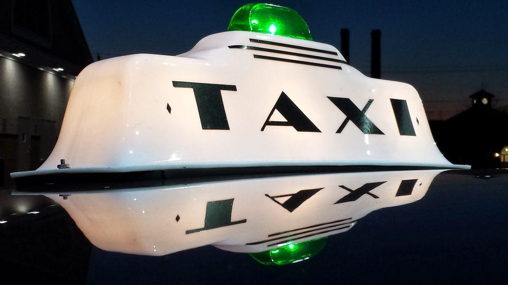 Main Street Taxi: Denton, MD
