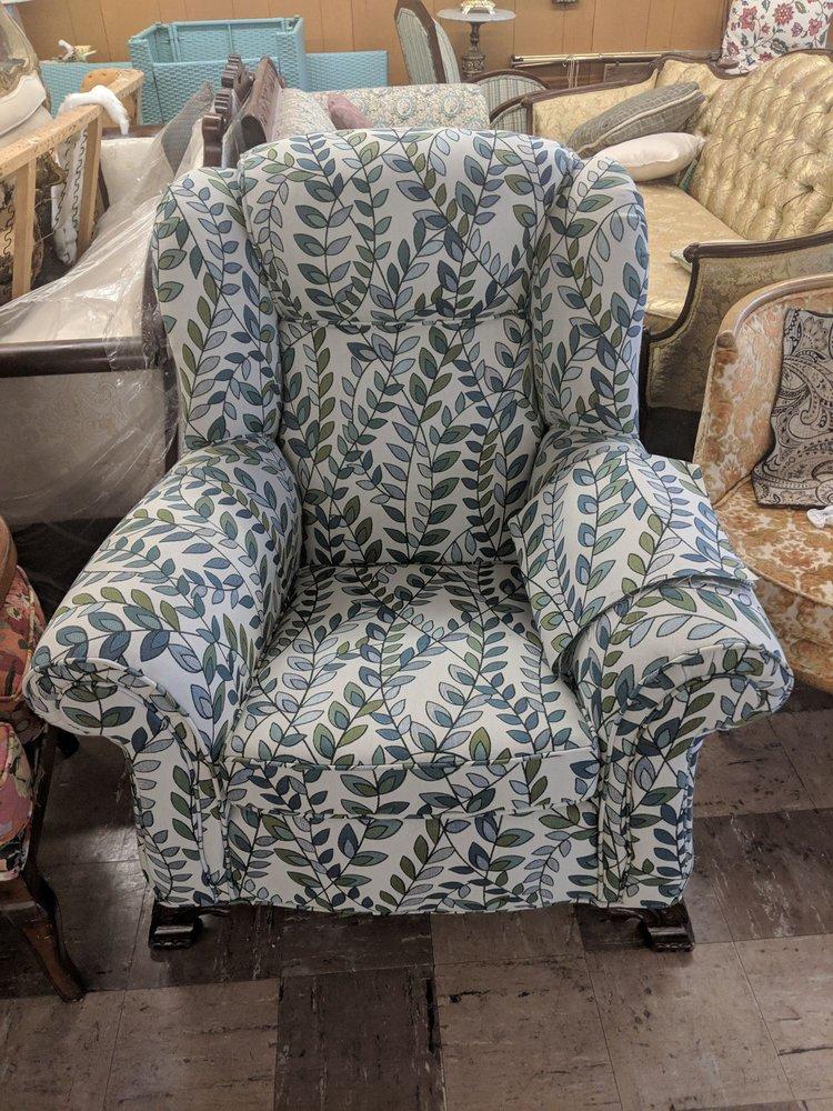 Carulli's Custom Upholstering: 1887 Teall Ave, Syracuse, NY