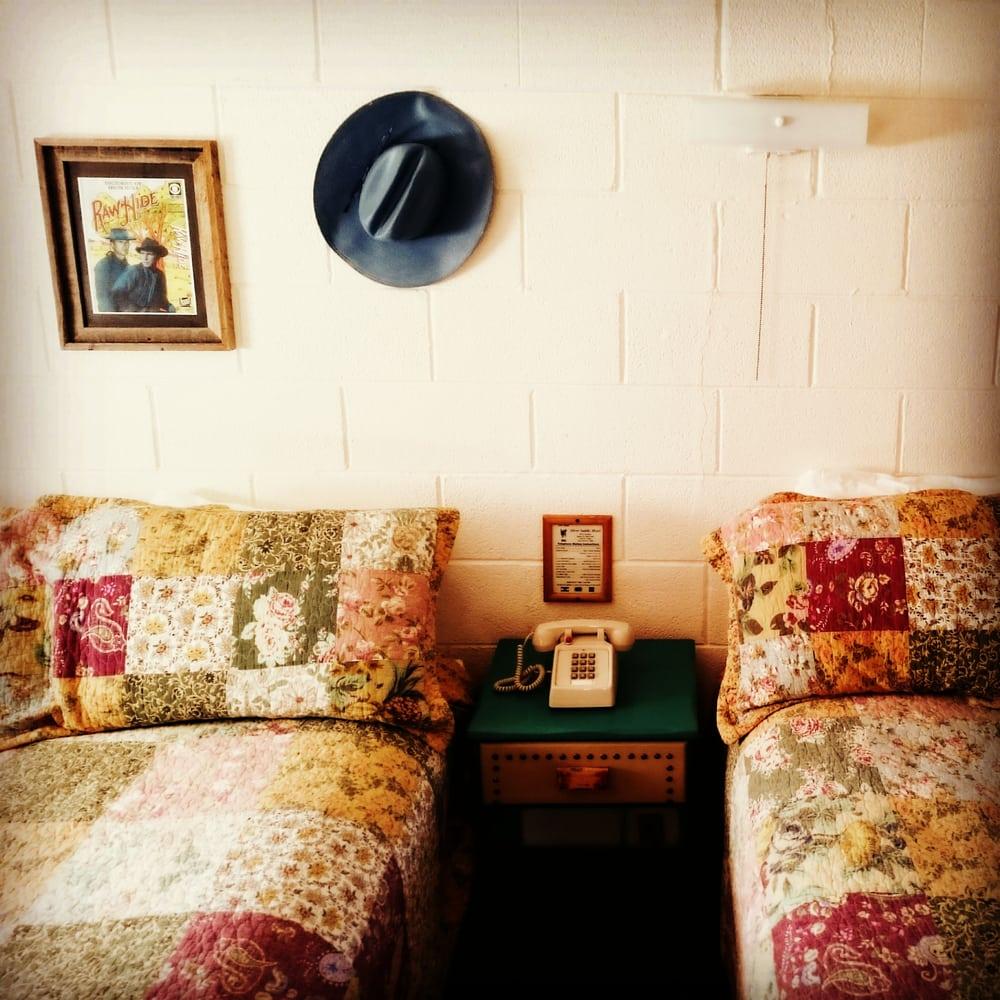 silver saddle motel 78 photos 121 reviews hotels. Black Bedroom Furniture Sets. Home Design Ideas