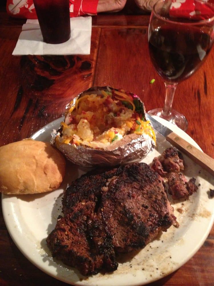 Red Top Bar & Grill: 267 Hwy 65S, Tallulah, LA