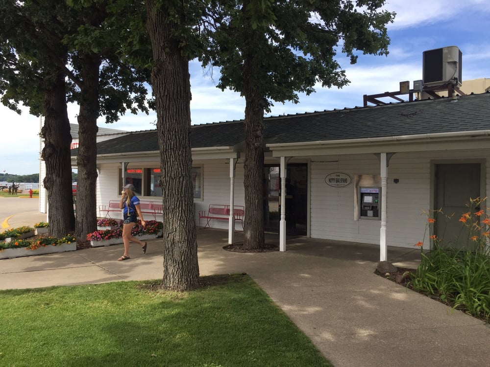 Nutty Bar Stand: 37 Lake St, Arnolds Park, IA